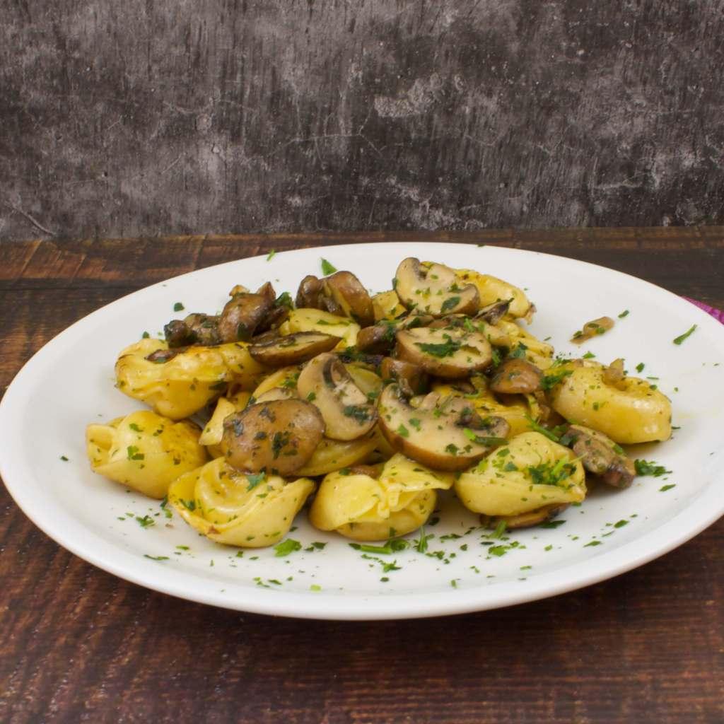 Zubereitung Tortellini Pfanne mit Champignons
