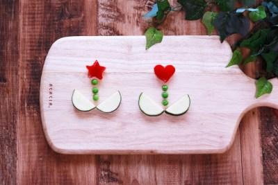 野菜をお花の形に切った写真画像