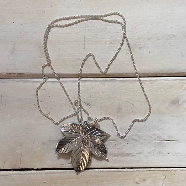 maple leaf necklace crop