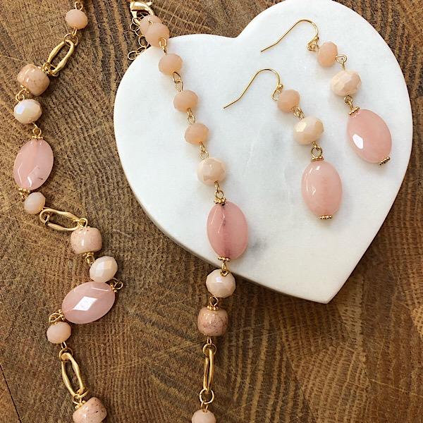 Beaded earrings Pink