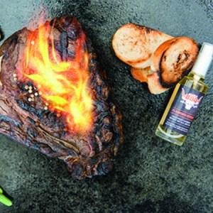 Smokin´BBQ Tanja Gabriel FLAMING STUFF rauchiger Flambierwhisky 60% VOL 50 ml. ie besonders rauchige Whiskynote für Ihr Grillgut. - Peter Affenzeller