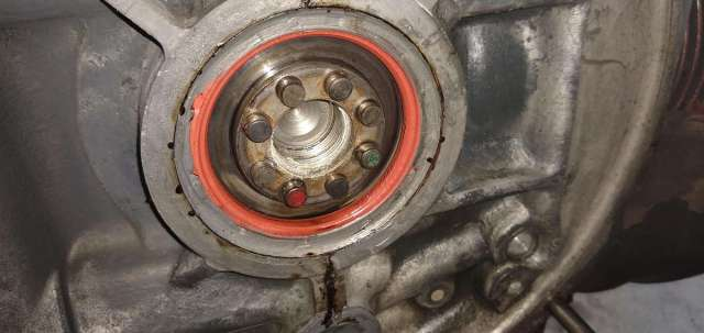 AE Engine - Main seal has caulk as well.