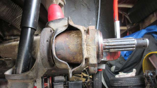 1979 VW Beetle - Passenger Side - Wheel and Stub Axle