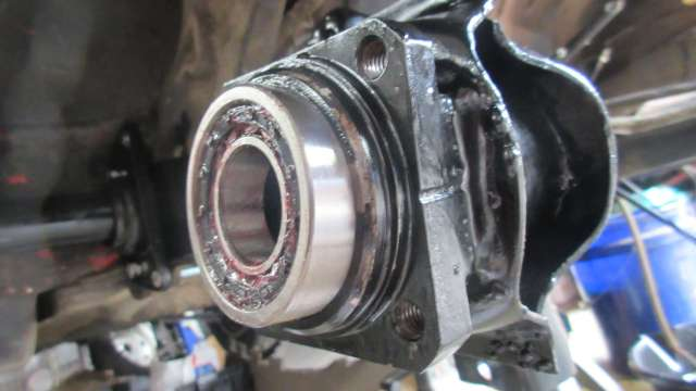 1979 VW Beetle - Outer Bearing Issues