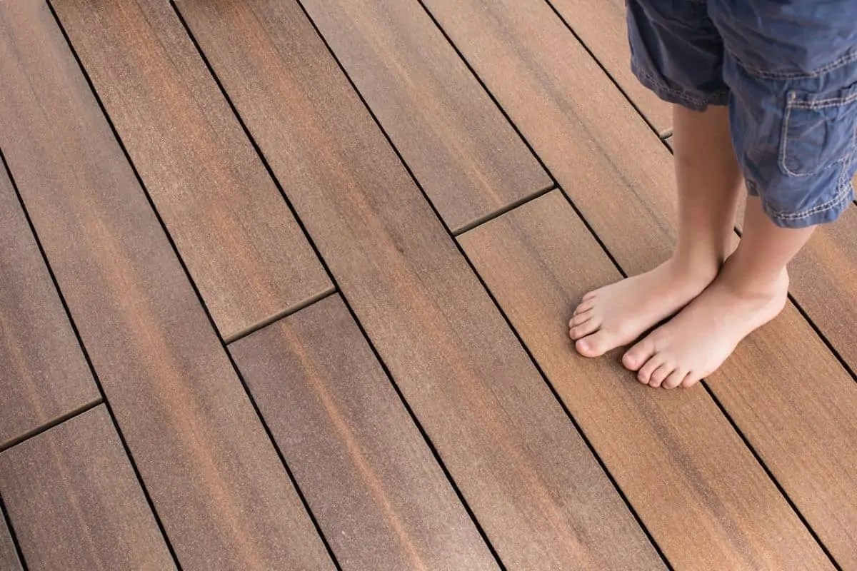Splitterfreie Terrassen aus Holzverbundwerkstoff