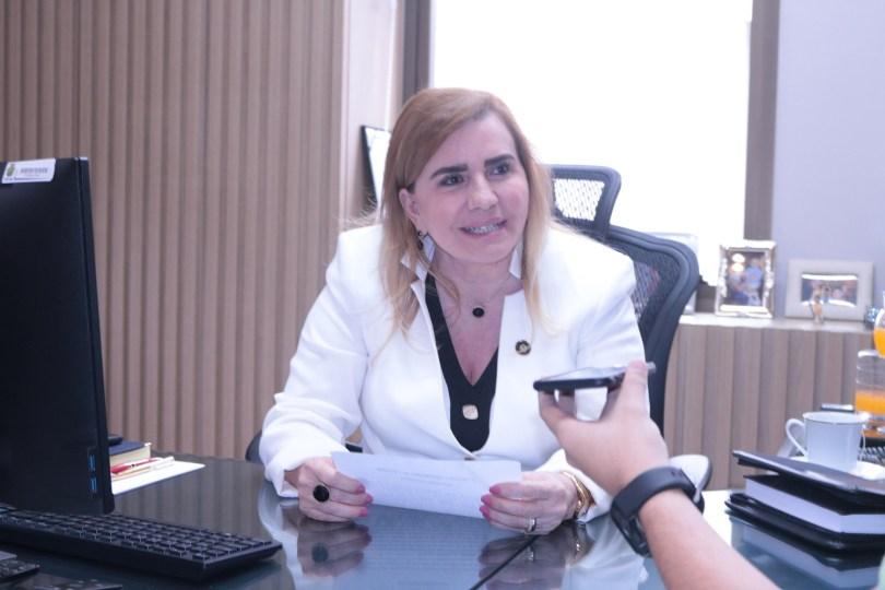 Yara Lins - Escola de Contas Públicas (ECP)