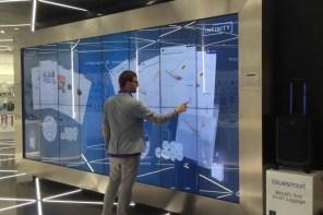 Mit Multitouch- und interaktiver Technologie das Einkaufserlebnis steigern