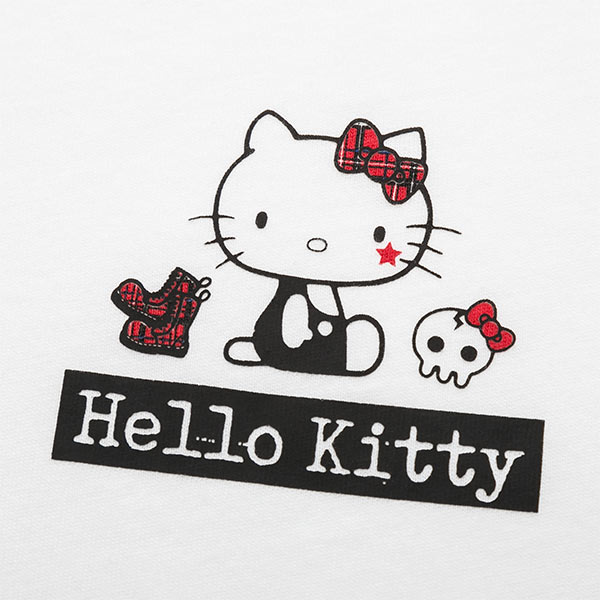 uniqlo-sanrio-ut-hello-kitty-plaid-close-up