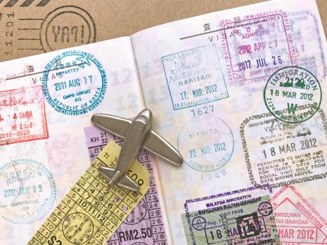 海外旅行の空港での質問や手続きは?出国時はスルー?トラブルとかも