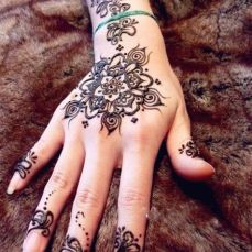 latest mehandi designs 2014 35