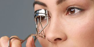 Easy Tips on How to Apply Mascara Perfectly 01