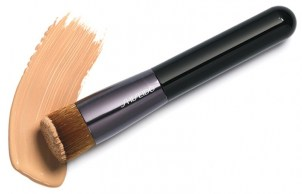 makeup brushes to apply makeup 01