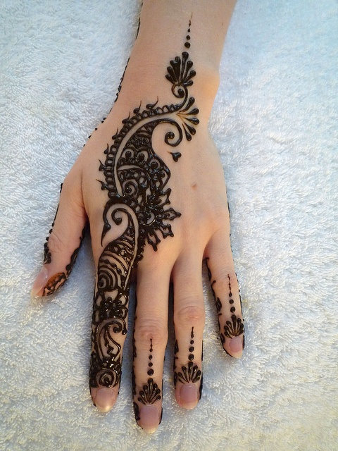 mehndi design for the summer bride 04