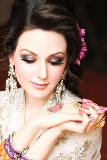 Indian wedding hairstyles 15
