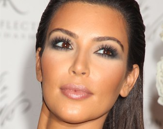 Kim Kardashian eye makeup 01