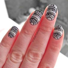 intricate-nail-art-designs-10
