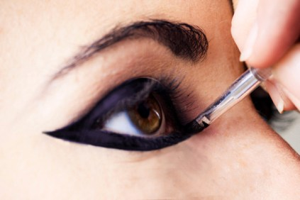 How to apply liquid eyeliner 10