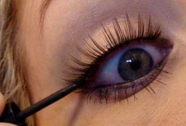 How to apply liquid eyeliner 14