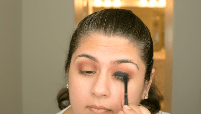 Classic Black Smokey Eye Makeup Tutorial 04