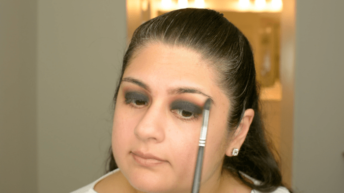 Classic Black Smokey Eye Makeup Tutorial 06