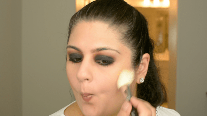 Classic Black Smokey Eye Makeup Tutorial 17