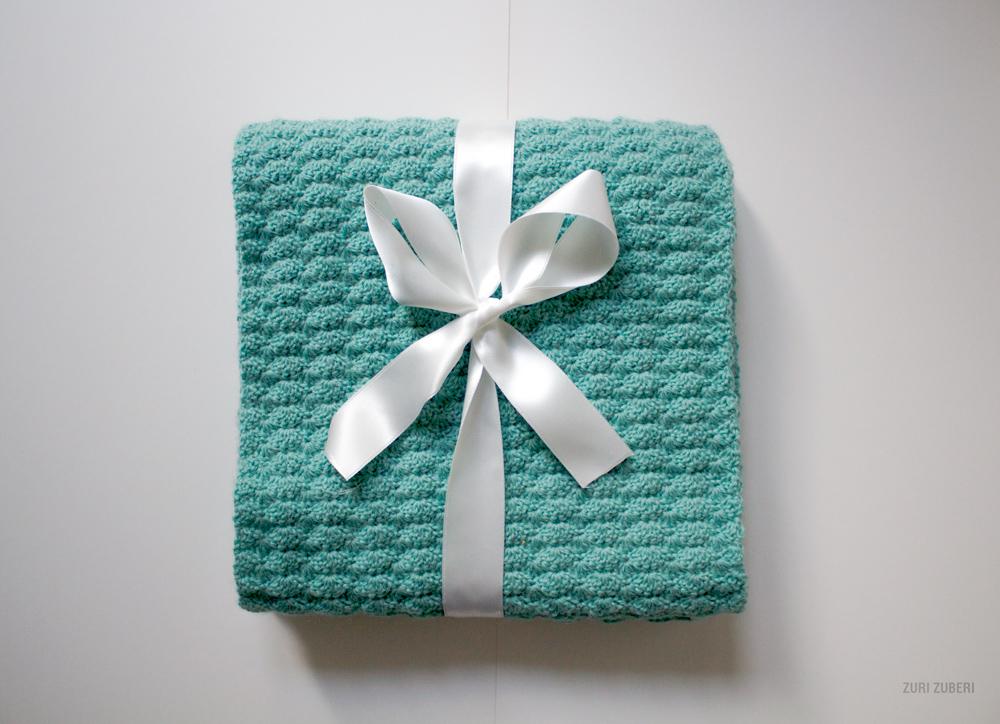 zuri_zuberi_mint_crocheted_scarf_4