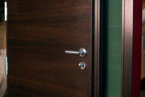 sarvuotos durys