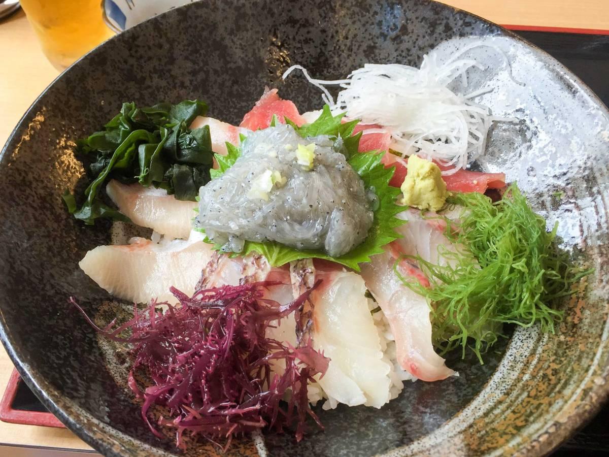 横須賀の佐島にある海の上のレストラン「海辺 」は著名アスリートの御用達店だった
