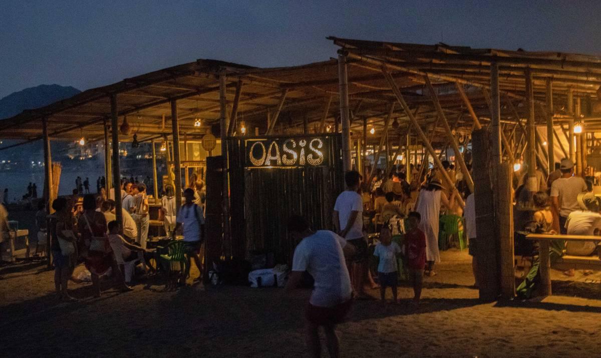 葉山は森戸海岸にある海の家「OASIS(オアシス)」の投げ銭ライブはいかがでしょう
