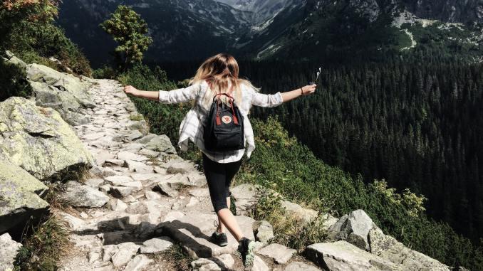 Jak pozostać utrzymać zdrowe nawyki w czasie podróży?