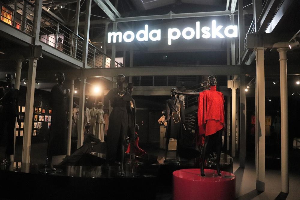 """Wystawa """"Jerzy Antkowiak - Moda Polska"""" w Łodzi"""