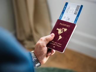 Jak szukać tanich biletów lotniczych?