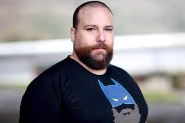 Kike Areitioaurtena: «Komikizaleen artean gero eta onartuagoak daude superheroi homosexualak»