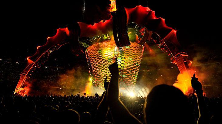 U2ren kontzertua: espektakulu asko eta musika gutxi