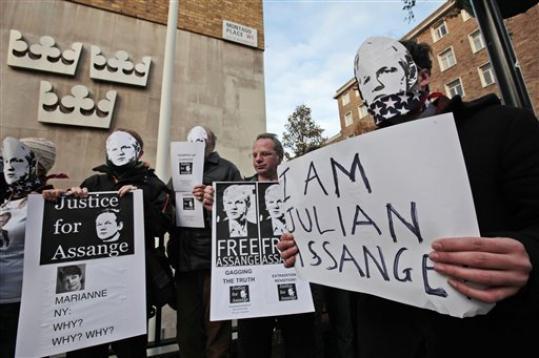 Julian Assangeren aldeko protesta