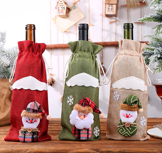 The photo shows - DIY Christmas decorations, fig. Bottle case