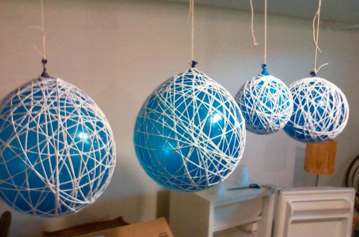 На фото изображено - Необычный декор: шары из нитей, рис. Сушим шары