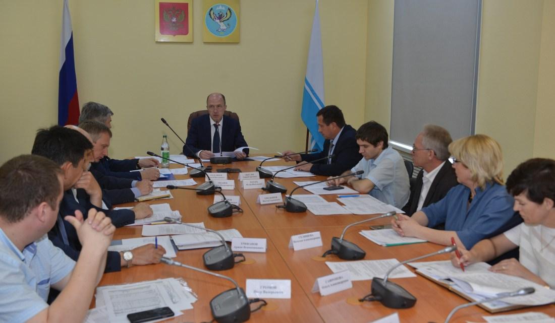 Олег Хорохордин поставил задачу решить проблемы энергетики в Республике Алтай