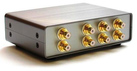 Após as ações feitas, o som pode ser controlado tanto no amplificador quanto através das ferramentas do sistema no computador.
