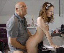 أبي ابتعد عن طيزي أرجوك فيديو سكس محارم مترجم
