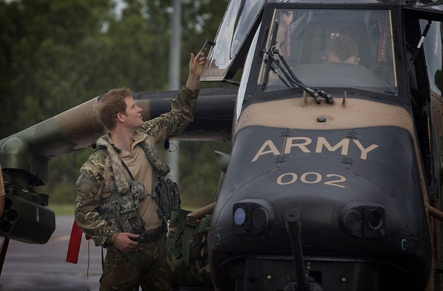 Prince-Harry-Down-Under (1)