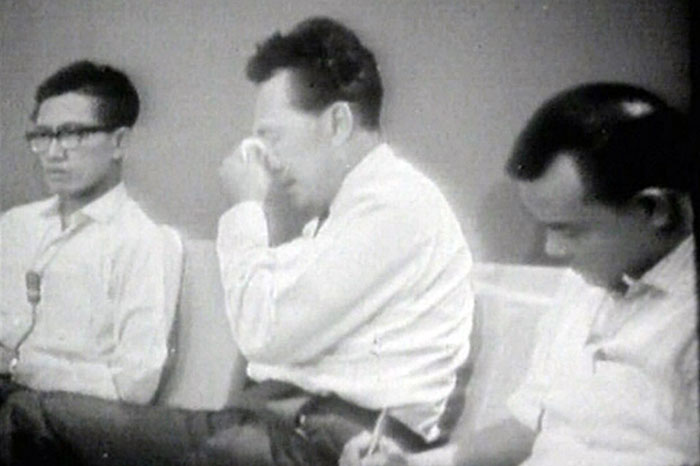 Prime-Minister-Lee-Kuan-Yew-wipes-a-tear-during-a-news-conference-after-the-signing-of-the-separation-agreement,-Aug. 9, 1965