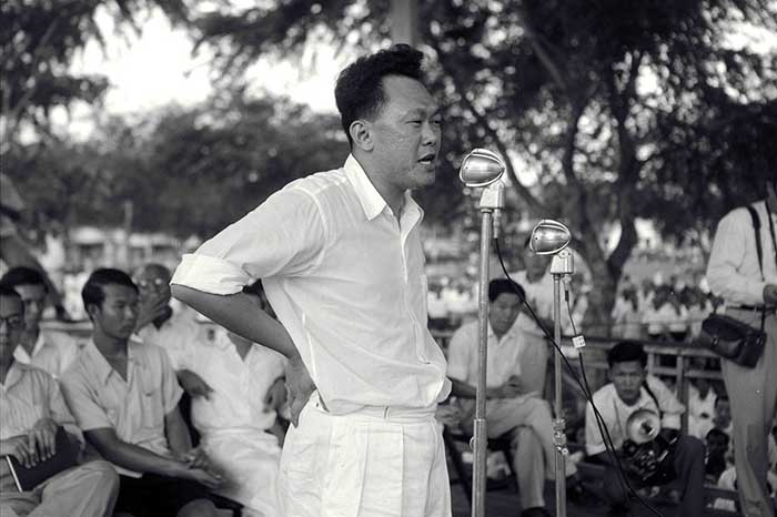 Singapore's first prime minister Lee Kuan Yew of the People's Action Party speaking during a rally at Farrer Park in Singapore on Aug. 15, 1955.