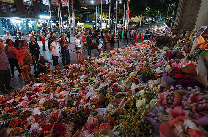 floral-tributes-at-bourke-st-mall-for-victims-in-fridays-attack-where-thousands-of-flowers-have-been-left