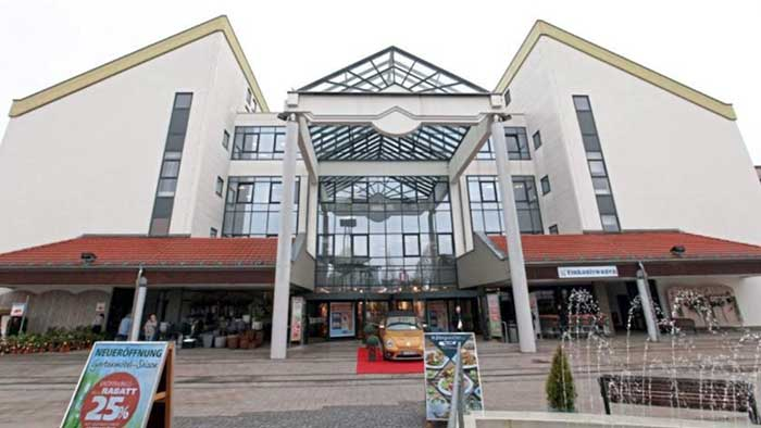 The-furniture-store-Segmüller-in-Parsdorf,-near-Munich