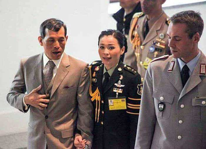 Thailand's King Vajiralongkorn with his bodyguard+mistress Suthida - Nui