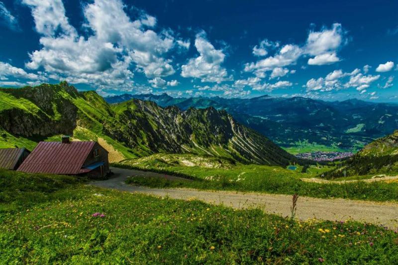 Bad hindelang - Aussicht mit Hütte