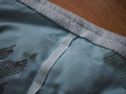 blaues Band außen