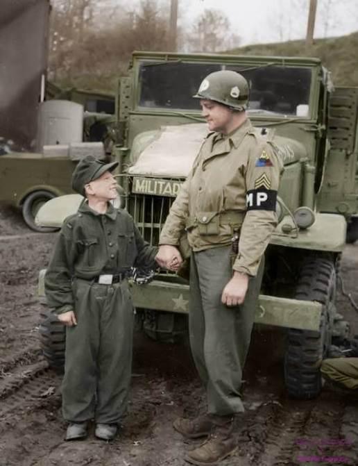 Francis Daggertt soldati bambino  soldati nazisti bambini