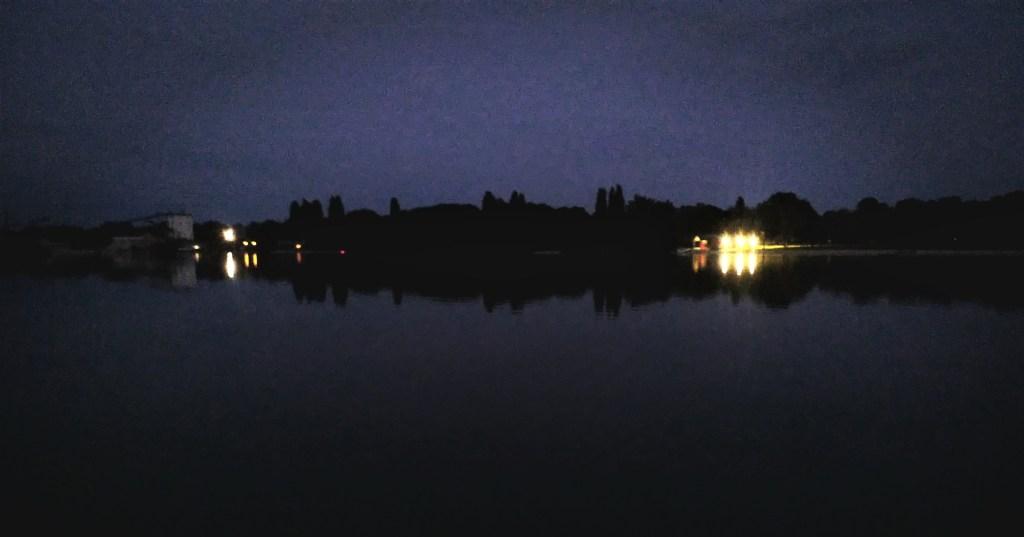 Wenn es dunkel geworden ist - vor dem Vollmondschwimmen